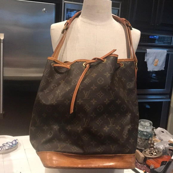 edafc4ba978 Louis Vuitton Handbags - Vintage Louis Vuitton bucket bag needs TLC A2 8907
